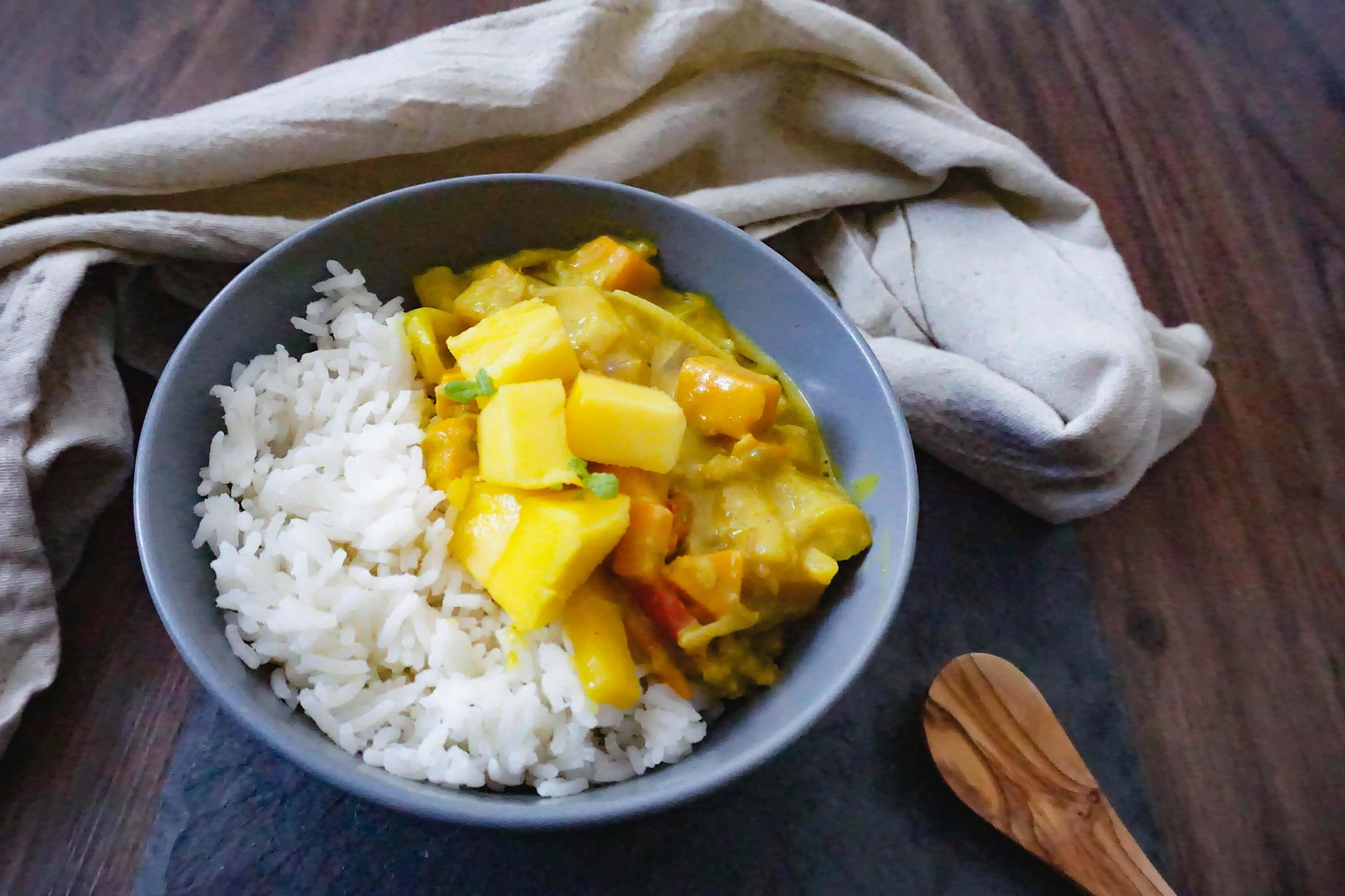 Veganes, fruchtiges Kichererbsen-Curry